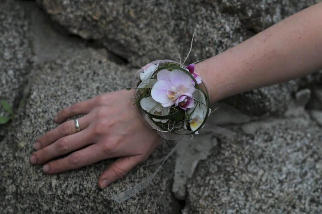 Körperschmuck Armreif mit Orchidee