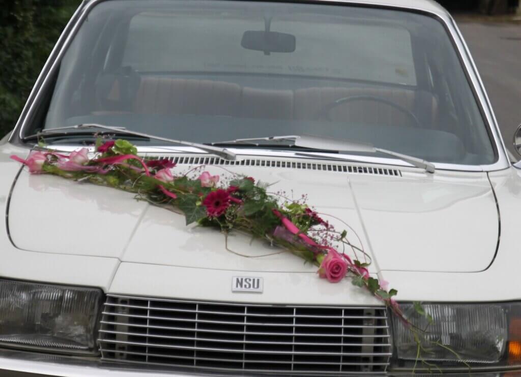 Hochzeit Autoschmuck Autogirlande pink rot