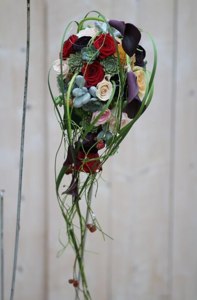 Hochzeitsschmuck Brautstrauß Tropfen Calla und Sukkulenten