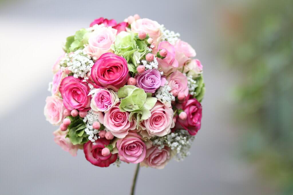 Hochzeitsschmuck Brautstrauß rosa Kugel