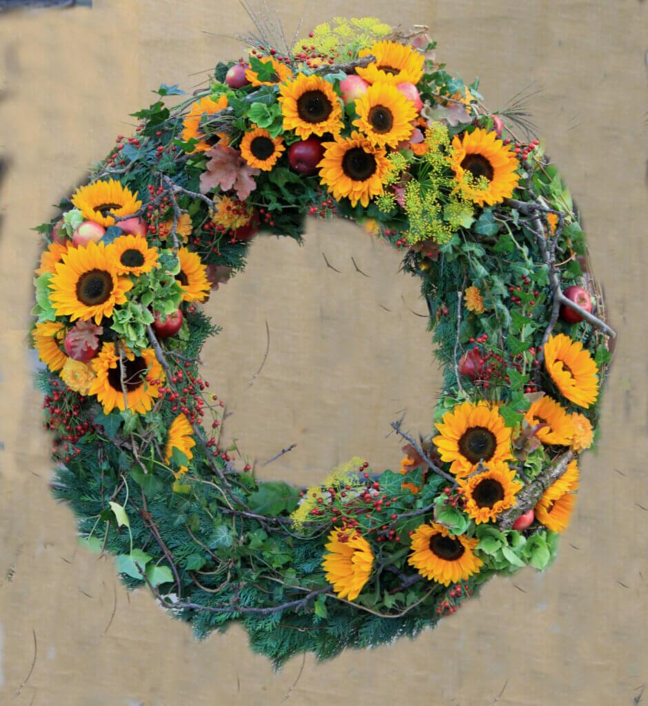 Trauerschmuck Kranz mit Sonnenblumen 3 Gruppen